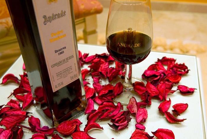 Desde bodas hasta congresos, en Bodegas Andrade encontrarás el mejor lugar para compartir tu dia especial acompañados del mejor vino elaborado en nuestras bodegas.