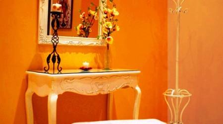 Tocador de diseño elegante que encontrarás en la Sala VIP disponibles para los novios, un lugar privado que sólo encontrarás en Bodegas Andrade