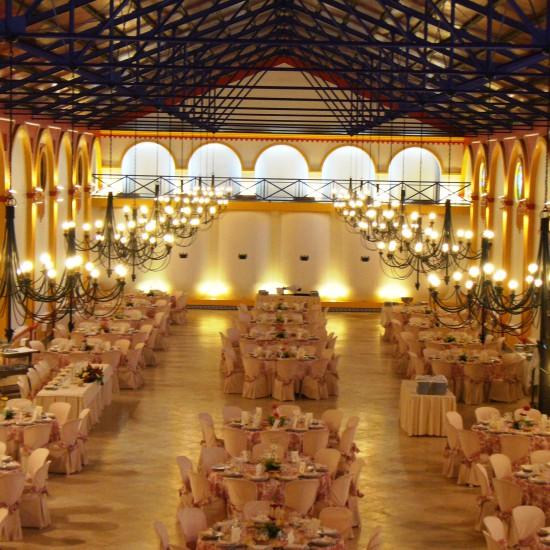 Salones para celebrar bodas en Huelva. Capacidad para 600 personas, acondicionadas y decoradas con gusto